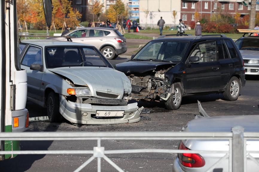 terrible head-on collision on the crossroads